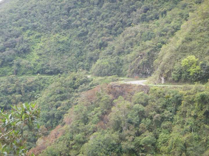 Death Road bike ride / Yungas Road